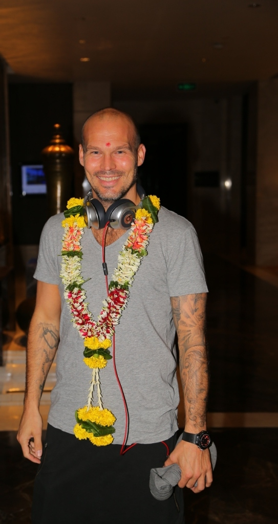 Mumbai City FC's Marquee Player Freddie Ljungberg received a traditional Indian welcome at the hotel on his arrival in Mumbai.