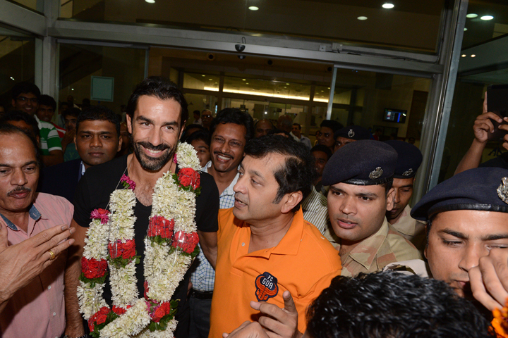 robert-pires-and-rr-dattaraj-salgaocar-arrive-into-goa