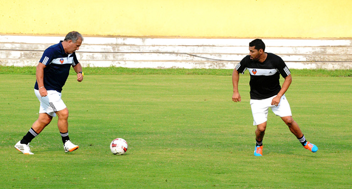 Andre-Santos-training-with-FC-Goa