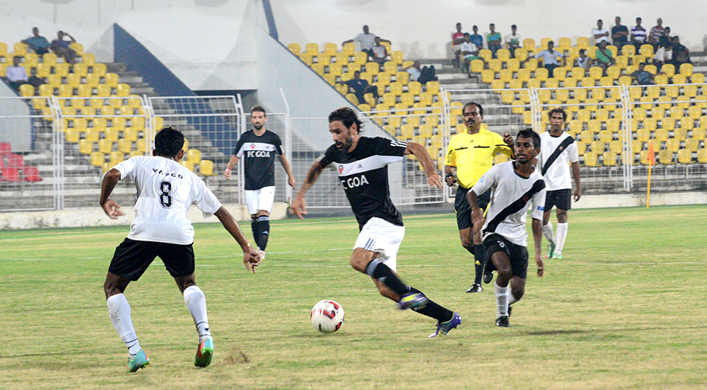 Robert-Pires-in-action-at-the-Pandit-Jawaharlal-Nehru-Stadium,-Fatorda,-Goa
