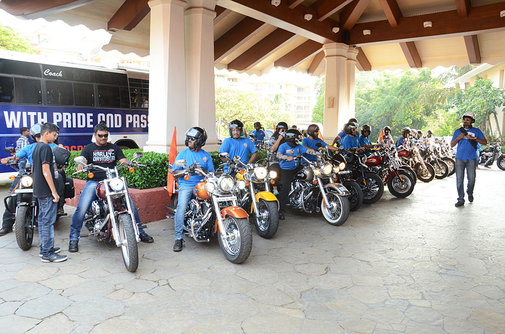 the-harley-davidson-owners-group-goa-chapter-escorts-the-fc-goa-team-bus