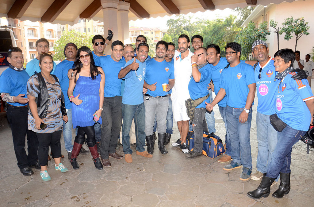 the-harley-davidson-owners-group-goa-with-margue-player-robert-pires
