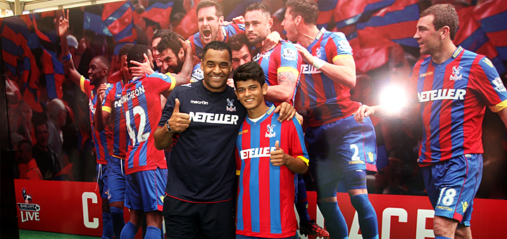 Crystal Palace Coach Mark Bright with Mumbai's 15yr old Dhruvmil Pandya, the Play for Palace winner