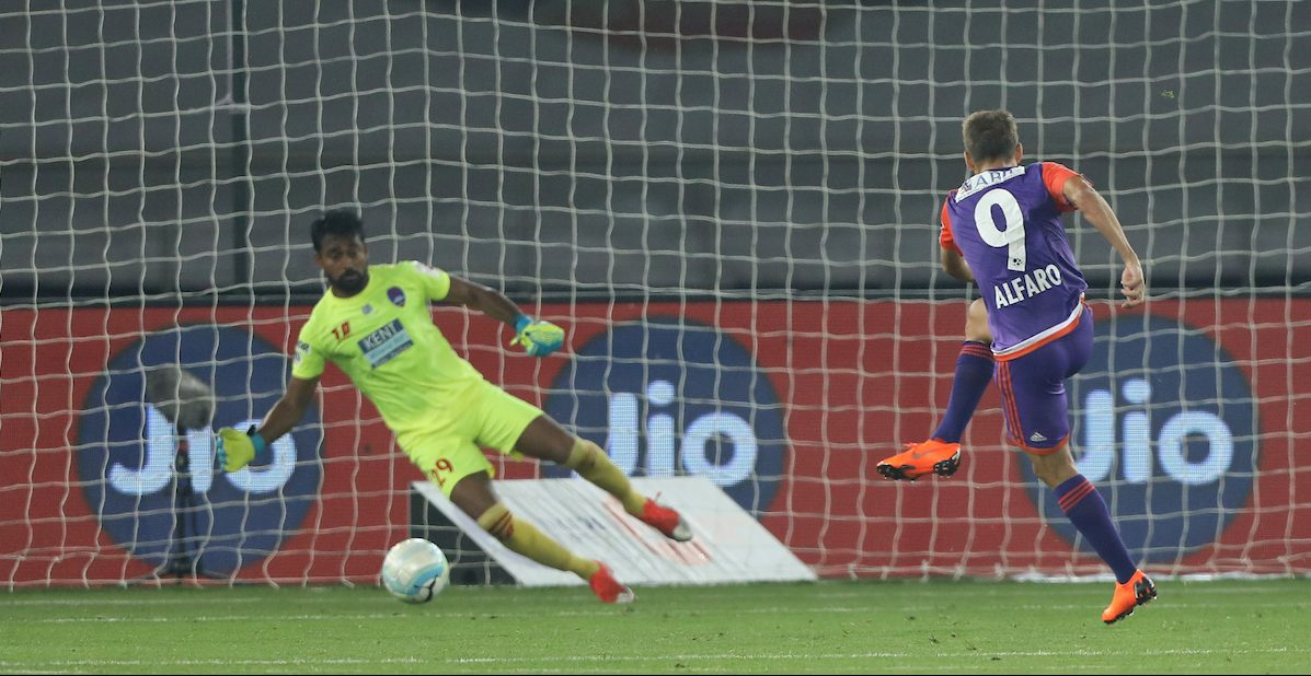 Emiliano Alfaro of FC Pune City kick for sucessfull goal during match 87 of the Hero Indian Super League between Delhi Dynamos FC and FC Pune City held at the Jawaharlal Nehru Stadium, Delhi, India on the 2nd March 2018 Photo by: Arjun Singh / ISL / SPORTZPICS